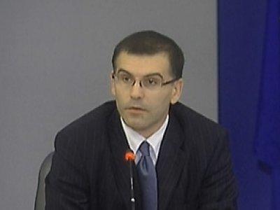 Дянков се извини на Първанов, че го е нарекъл милиардер