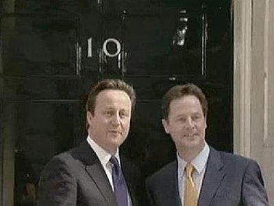 Дейвид Камерън пое Великобритания